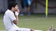 """""""Ich habe nie jemanden gebissen. Ich weiß, dass beißen weh tut, meine kleinen Kinder haben mich auch schon gebissen - und ich habe sie dafür bestraft. Bei mir zu Hause bedeutet das: Ab in den dunklen, schwarzen Raum mit dem großen, bösen Wolf!"""" (Brasiliens einstiger Superstar Ronaldo über den """"Beißer"""" Luis Suarez)"""