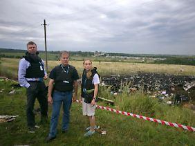 Die OSZE-Beoabachter sind am Unglücksort eingetroffen.