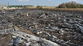 An der Absturzstelle werden noch immer die Überreste Dutzender Vermisster vermutet.