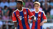 Und David Alaba trägt nicht nur ein neues Hemd, er soll auch auf neuer Position im zentralen Mittelfeld spielen.