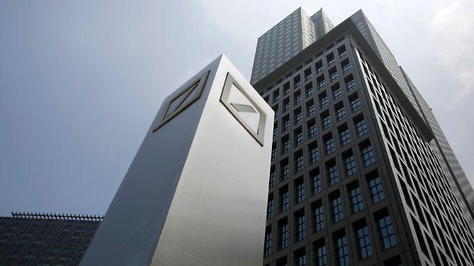 Viele juristische Baustellen: Steuerlast drückt Gewinn der Deutschen Bank
