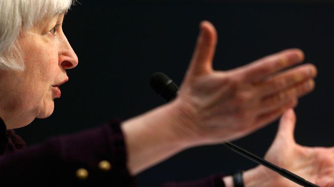 Fed-Chefin Yellen zeigt, wo es langgeht.