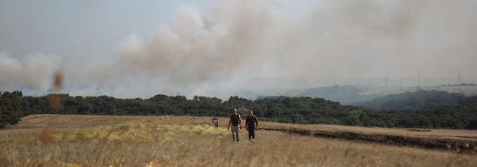 Ukrainische Soldaten auf Patrouille in der Ostukraine.