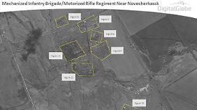Briten hatten bereits im April Satellitenbilder von russischen Truppenkonzentrationen nahe der ostukrainischen Grenze vorgestellt.