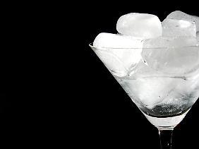 Was passiert, wenn die Eiswürfel schmelzen?