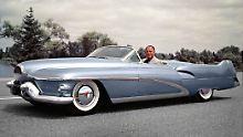Harley Earl in seiner Buick Le Sabre Studie aus dem Jahr 1951.