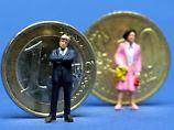 Frauen verdienen zumeist deutlich weniger als ihre männlichen Kollegen. Das soll sich per Gesetz ändern.
