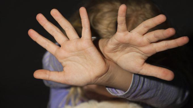 Entführt und vergewaltigt: Gang missbraucht 1400 Kinder im englischen Rotherham