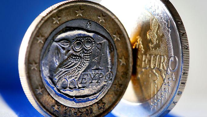 Nach dem Zins-Coup von EZB-Chef Mario Draghi sinkt der Euro.