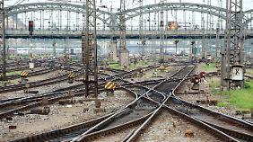 Leere Gleise bei München.