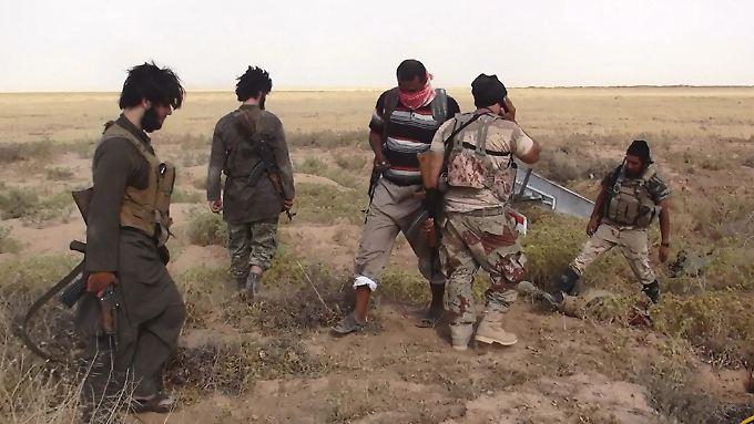 """Die Dschihadisten """"jagen jeden einzelnen"""", berichtet ein Iraker."""