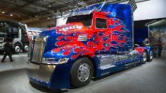 "Filmheld in Hannover: Western Star ""Optimus Prime"" aus ""Transformers: Ära des Untergangs"""