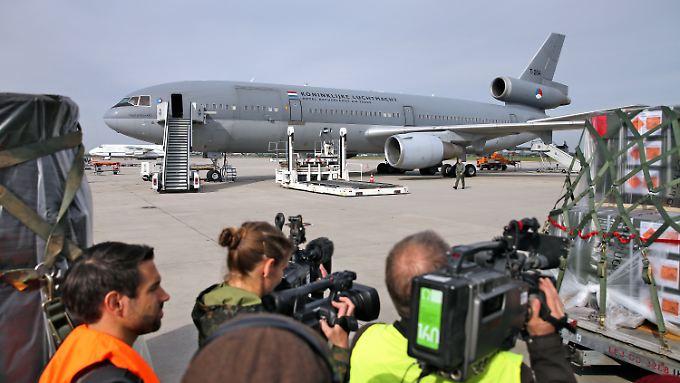 KC-10 der niederländischen Luftwaffe muss jetzt auf dem Flughafen Leipzig/Halle in Schkeuditz (Sachsen) repariert werden.