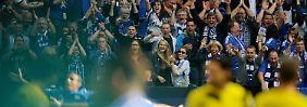 Bayern ohne Probleme in Köln: Schalke düpiert BVB im Derby