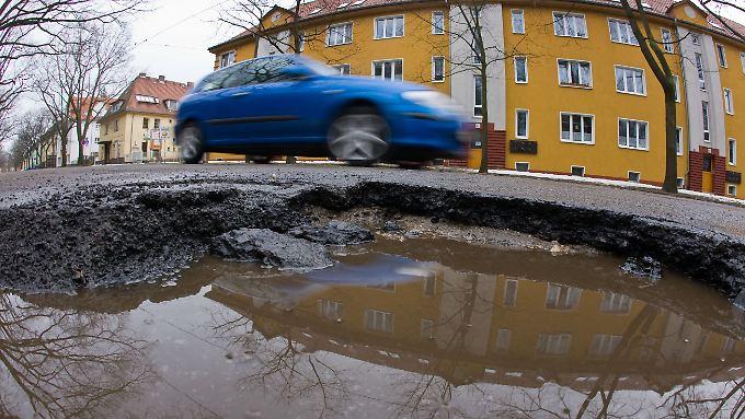 Der Bedarf an Investitionen in die Infrastruktur, zum Beispiel für kaputte Straßen, ist groß.