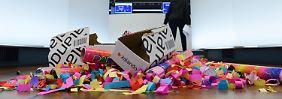 Konfetti und leere Kartons: Die Zalando-Party auf dem Parkett war schnell vorbei.