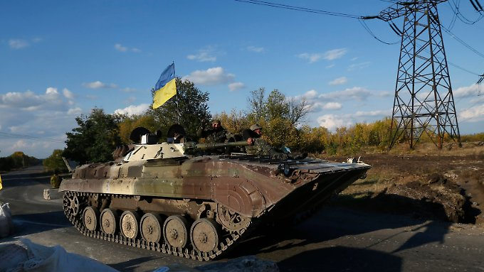 Die Waffenruhe in der Ukraine bröckelt - bei Gefechten sterben mindestens zehn Menschen.