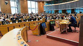 Tibor Navracsics bei der Anhörung des Europaparlaments.