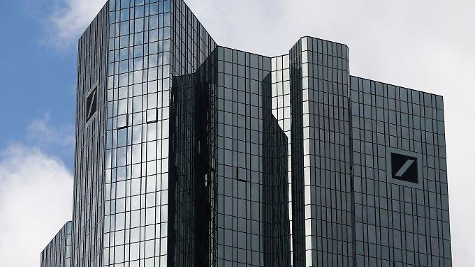 Fast drei Milliarden Euro hat die Deutsche Bank für Strafen und Bußgelder reserviert.