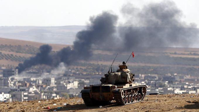 Eingreifen der Türkei gefordert: US-Luftangriffe bremsen IS-Vormarsch in Kobane