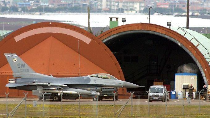 Ein F16-Kampfjet auf der Luftwaffenbasis Incirlik.