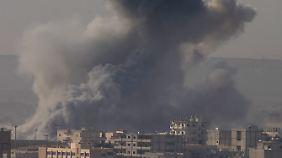"""""""Alle Dimensionen der Macht nutzen"""": USA fliegen bisher stärksten Luftschläge gegen IS"""