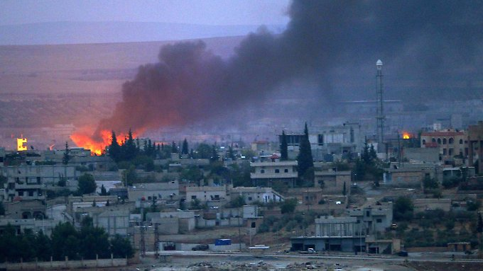 Die Luftschläge der US-geführten Koalition zeigen nicht nur wie hier in Kobane Wirkung, sondern auch im Nordern des Iraks.