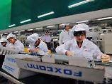Foxconn-Fabrik in der südchinesischen Metropole Shenzhen. Das Unternehmen spielt eine wichtige Rolle in der Smartphone-Produktion.