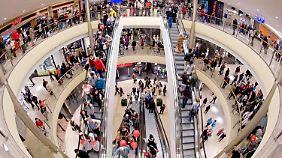 Kauflaune der Deutschen steigt: Teure Anschaffungen zieren die Einkaufslisten