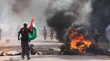 Am Freitag herrschte in der Hauptstadt Chaos, es kam zu Plünderungen.