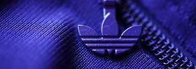 Sanktionen machen Probleme: Adidas sucht nach dem richtigen Kurs