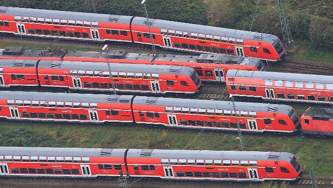 Auf den Abstellgleisen wird's eng: Streikimpression aus Magdeburg.