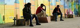 Zahl der bewilligten Anträge steigt: Asylverfahren dauern immer länger