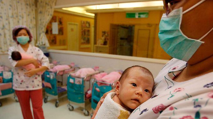 In einer Geburtsklinik in Taipeh. Taiwan hat eine geringsten Geburtenraten weltweit.