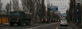 Diese Militärkolonne war am Montag auf dem Weg nach Donezk.