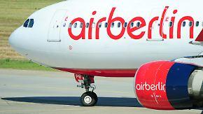 Neue Sparprogramme angekündigt: Air Berlin halbiert Gewinn