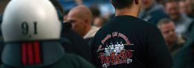 Krawalle in Hannover befürchtet: Gericht hebt Demo-Verbot für Hooligans auf