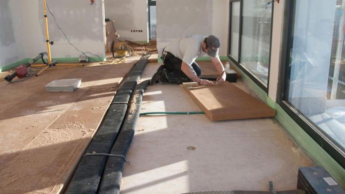 gegen feuchtigkeit und schadstoffe frische luft f r. Black Bedroom Furniture Sets. Home Design Ideas