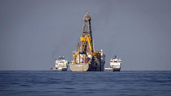 """Mit dem Ölbohrschiff """"Rowan Renaissance"""" suchte Repsol nach dem schwarzen Gold."""