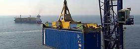 Deutscher Export auf Rekordkurs: Fallender Euro kann langfristig gefährlich werden
