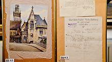 """""""Altes Rathaus"""" heißt der kitschige Schinken, der samt Originalquittung versteigert wurde."""