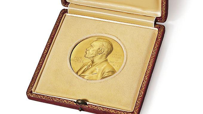 Die Nobel-Medaille hatte James Watson 1962 für seine DNA-Forschung erhalten.