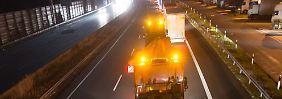 Wrackteile auf Autobahn: MH17-Konvoi durchquert Deutschland