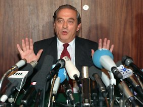 Pöhl erklärte nach der Sitzung des Zentralbankrats am 16. Mai 1991 in Frankfurt am Main seinen Rücktritt als Präsident der Bundesbank.