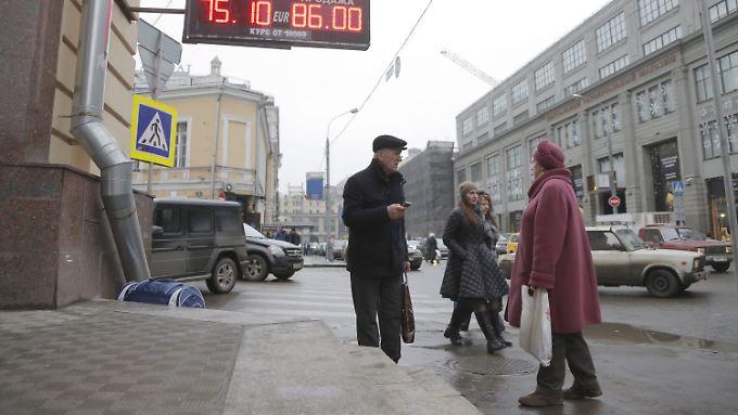 Die Kaufkraft der Russen sinkt.