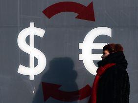 Raus aus dem Rubel, rein in die harten Währungen.