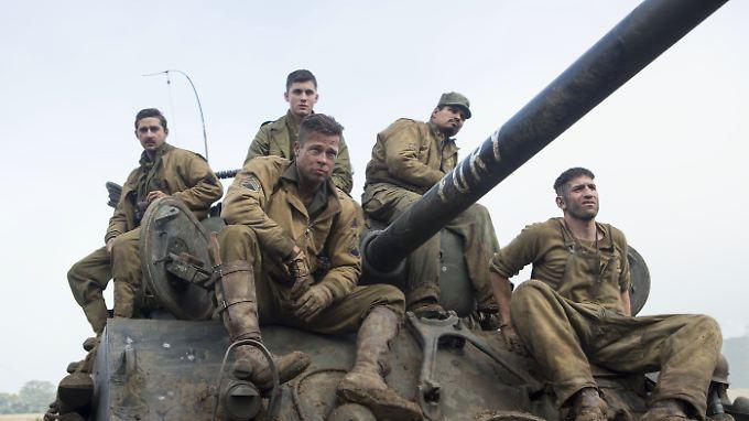 """""""Fury"""" hat die Besatzung um """"Wardaddy"""" (Brad Pitt, M.) ihren Panzer genannt."""
