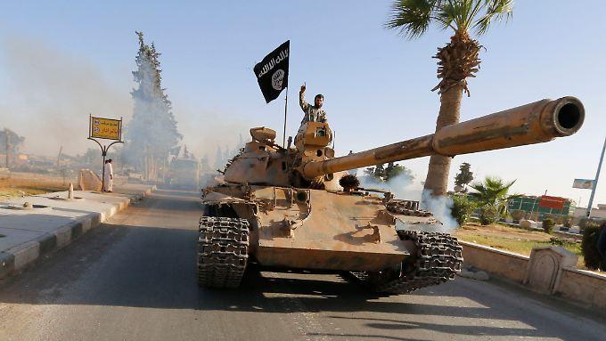 Die Islamisten des IS erbeuteten bei ihren Feldzügen immer wieder schweres Kriegsgerät.