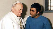 Johannes Paul II. besucht Ali Agca im Gefängnis (Archivbild vom 27.12. 1983).