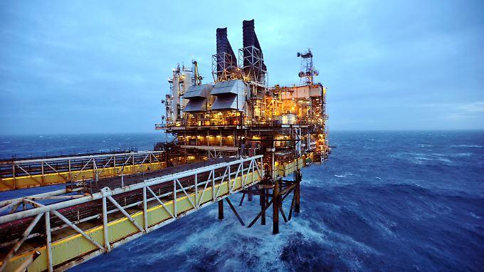 Plattform vor Schottland: Auch der Preis für die Nordsee-Sorte Brent fällt immer weiter.
